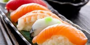 Как кушать суши и чем их запивать?