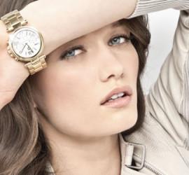 На заметку девушкам о правильном сочетании часов в образе
