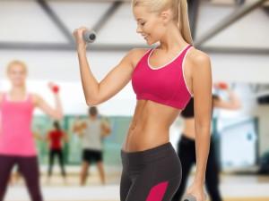 Каким должен быть женский спортивный костюм для фитнес-занятий?
