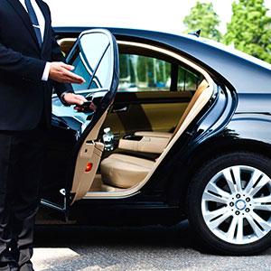 Прокат автомобиля с водителем – решение вашей проблемы