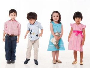 Почему в детском гардеробе так много трикотажных вещей?