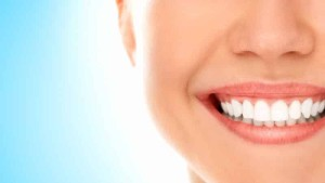 Наиболее доступные процедуры для поддержания здоровья зубов и десен
