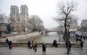На что может посмотреть турист в Париже зимой