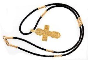 Скромный, но незаменимый аксессуар – шнурок для крестика