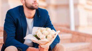 Необычные способы подарить цветы девушке