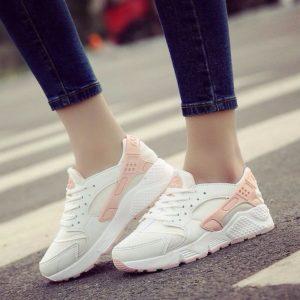 Женские кроссовки недорого - это лучшие сочетание цены и качества!