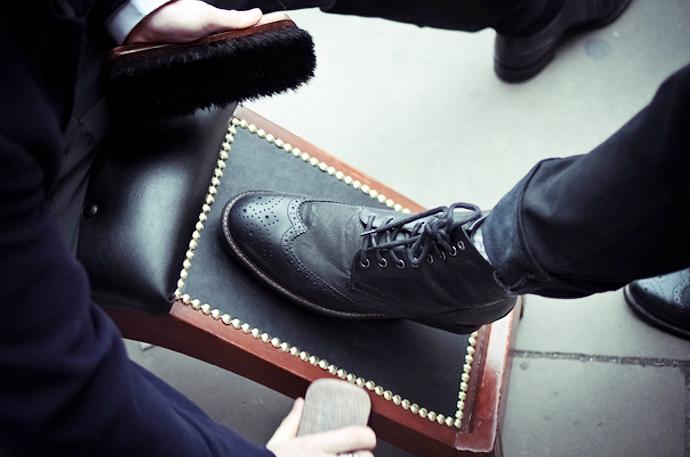 Как осуществляется профессиональная чистка обуви