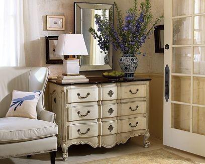 Комод – незаменимая мебель в интерьере современной квартиры
