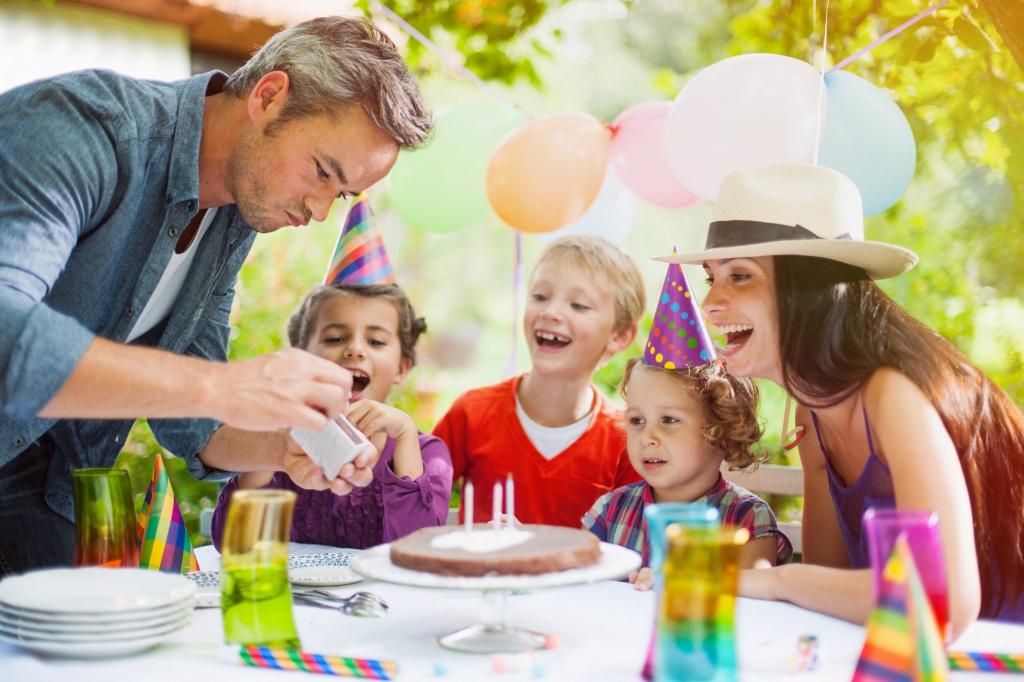 Как правильно организовать день рождение ребенка дома