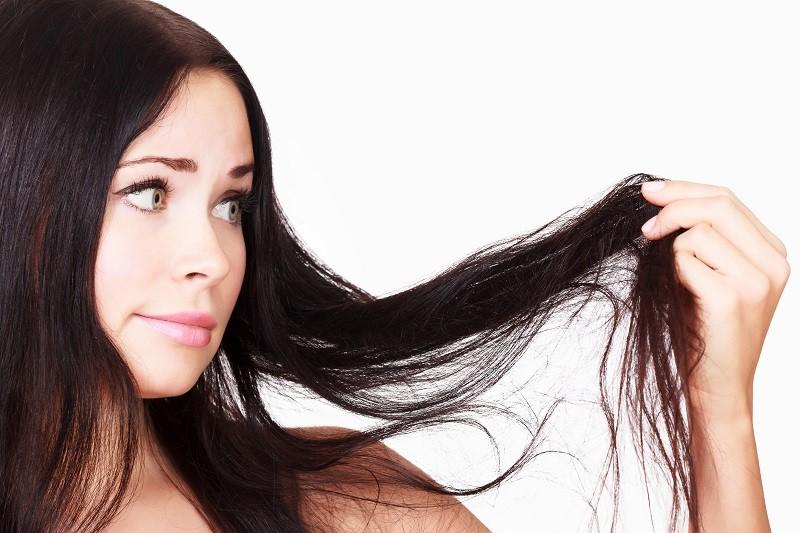 Особенности ухода за жирными волосами: что об этом нужно знать?
