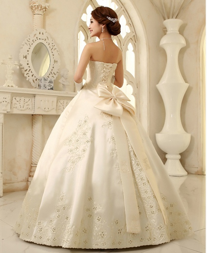 Свадебное платье для очаровательной невесты